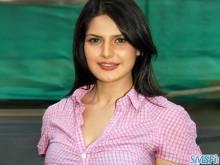 Zarine khan 003