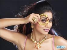 Shreya-Saran-011