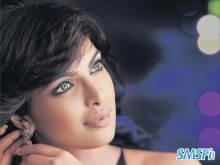 Priyanka-Chopra-003