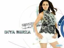 Dia-Mirza-005